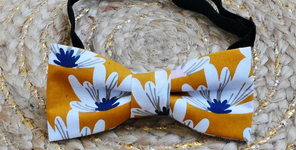 Noeud-papillon jaune moutarde nénuphars