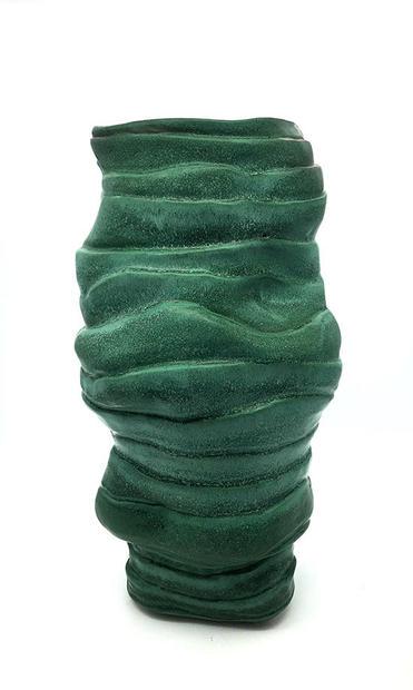 Tierd Vase Detail