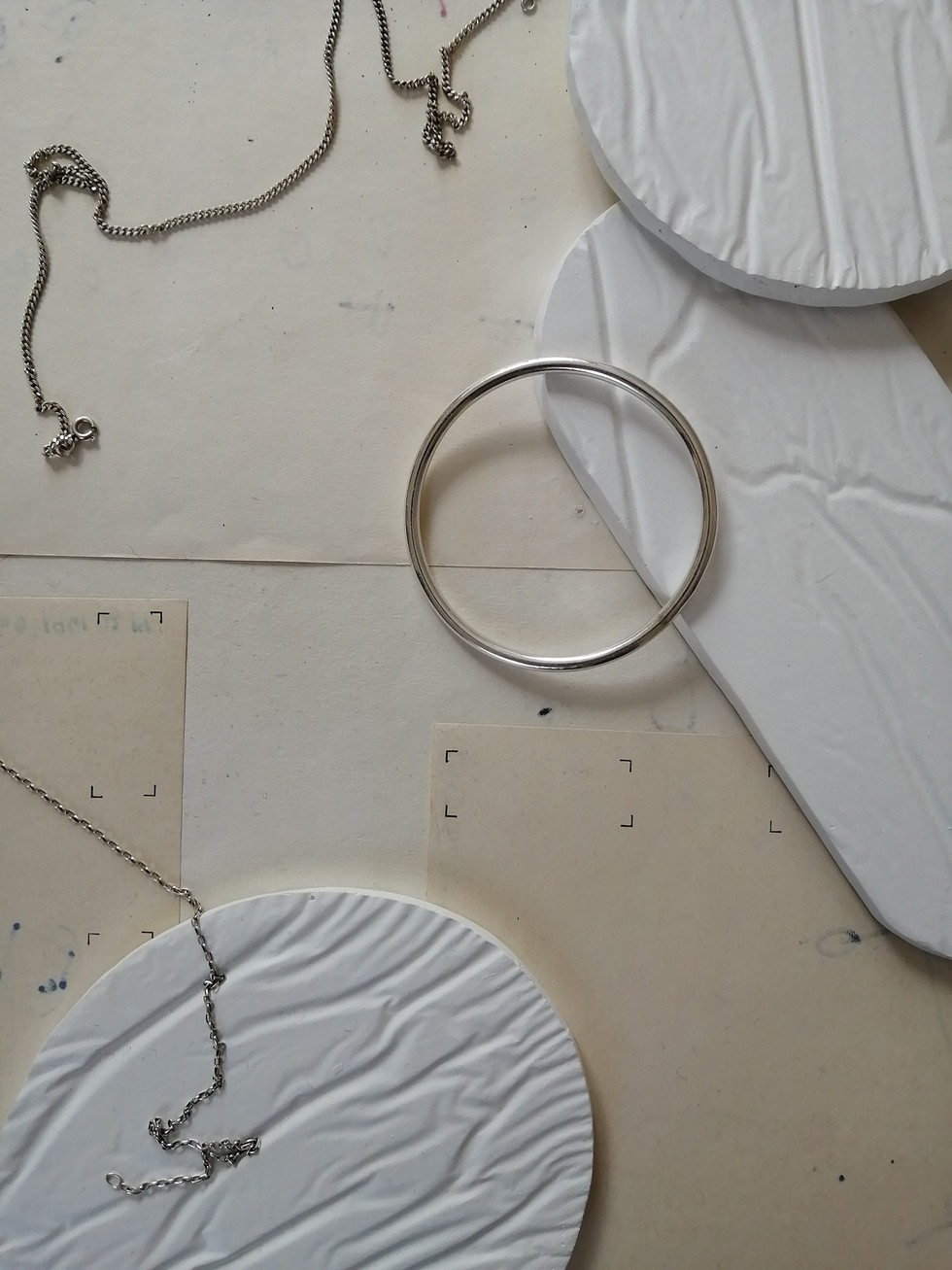 studio-grey-on-grey-crease-1-1.jpg