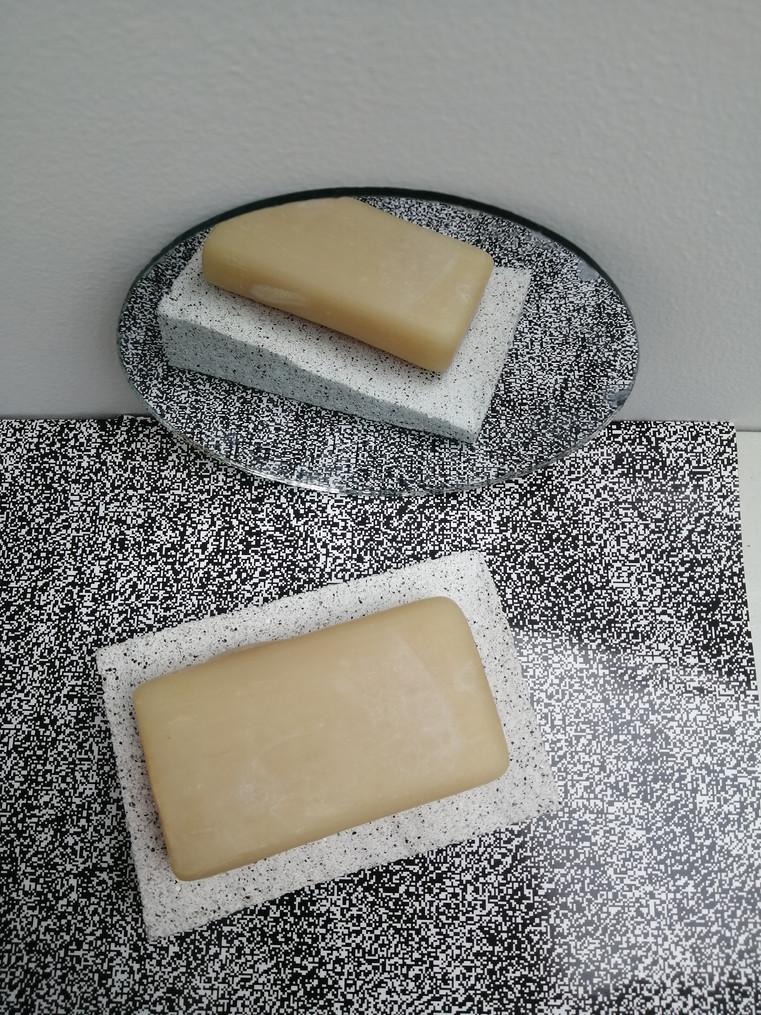 studio-grey-on-grey-soap-dish-pjuvis-1-1