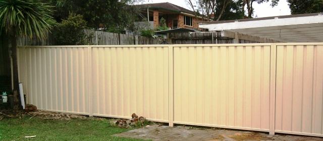 Standard Colorbond fencing