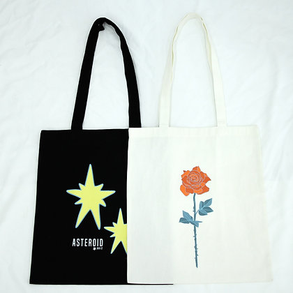 Asteroid B612 tote bags