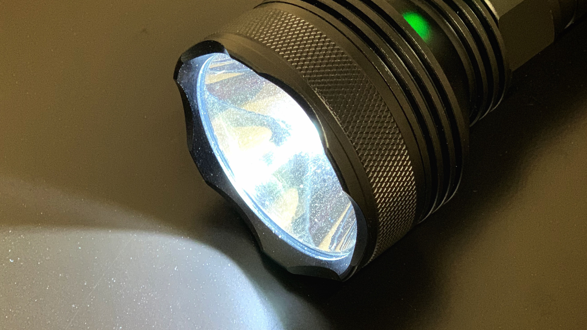 XHP50(858 LONG)  WATERPROOF OUTDOOR CAMPING HUNTING TORCH LAMP