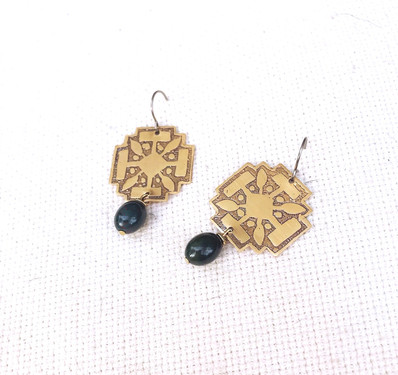 compass%20earrings%20product_edited.jpg