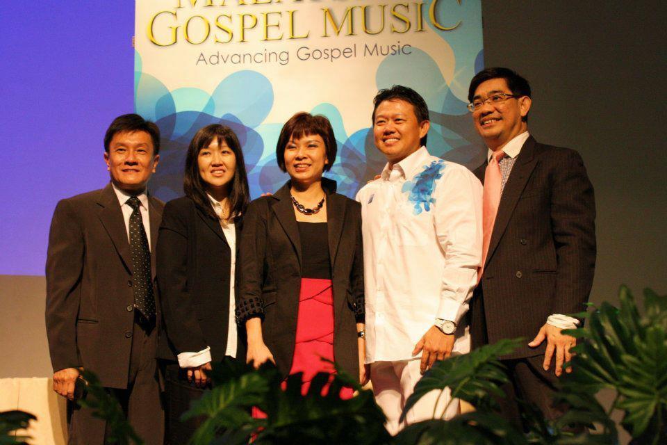 Nicholas Wu, Esther Mui, Lucy Loo, Patrick Leong and Ng Wah Lok