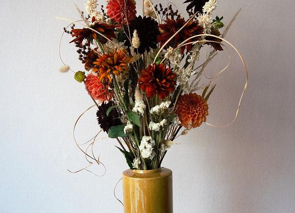 Boeket van gedroogde en verse bloemen