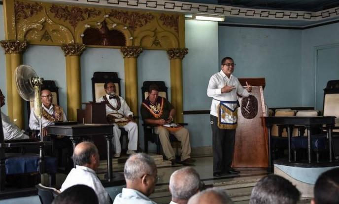 Lázaro Cuesta é o primeiro Grão-Mestre negro da Grande Loja de Cuba em 150 anos