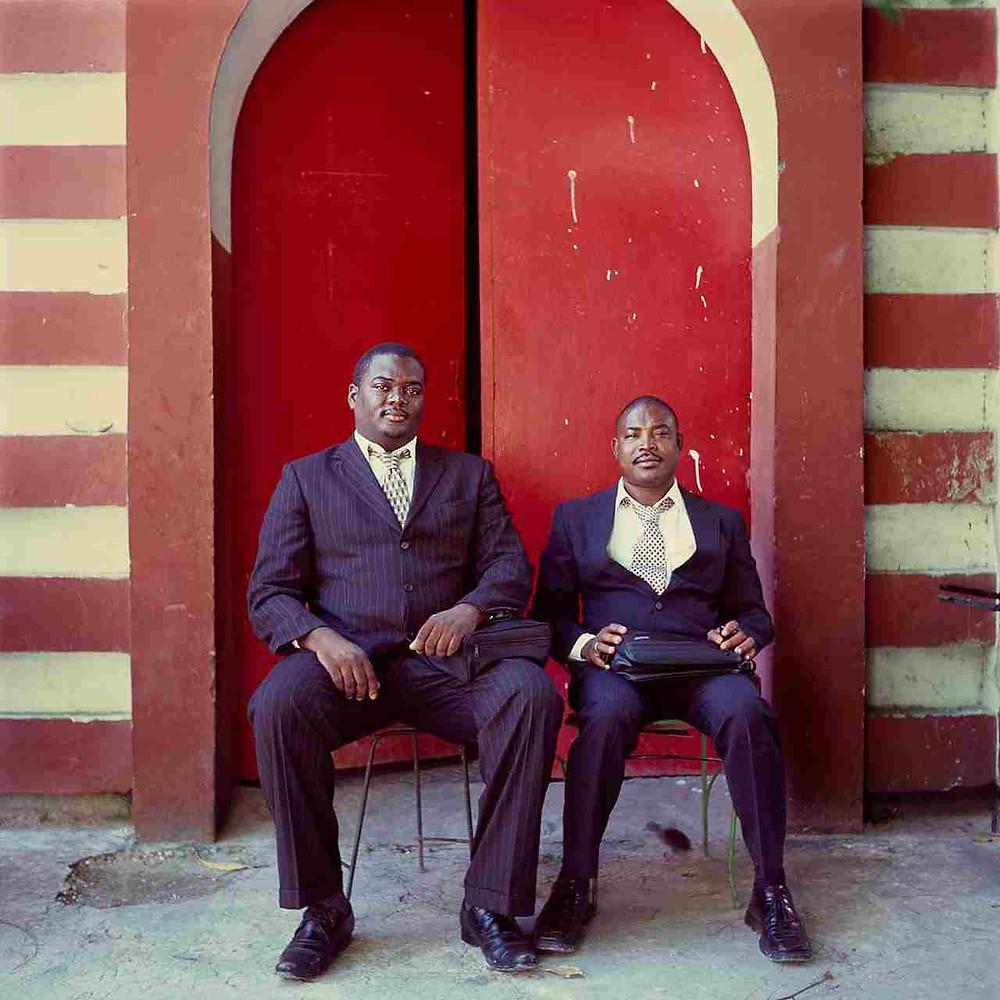 Retrato dos maçons no Haiti, por Leah Gordon