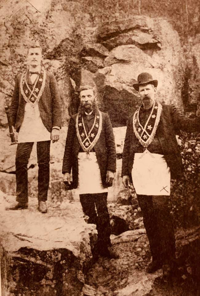 Freemasonry - A Masonic Lodge event at Lon Sanders Canyon at Piedmont in 1889