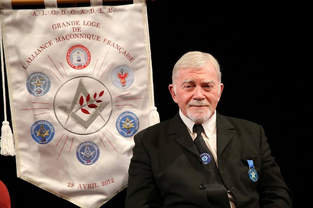 Claude Beau foi o Grão-Mestre da Grande Loge de l'Alliance Maçonnique Française (GL-AMF)