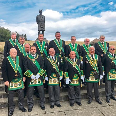 Maçons do motociclismo prestam homenagem às forças armadas no memorial Black Watch de Dundee