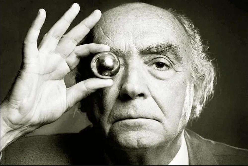 José Saramago: «O que me vale, caro Tolentino, é que já não há fogueiras em São Domingos!»
