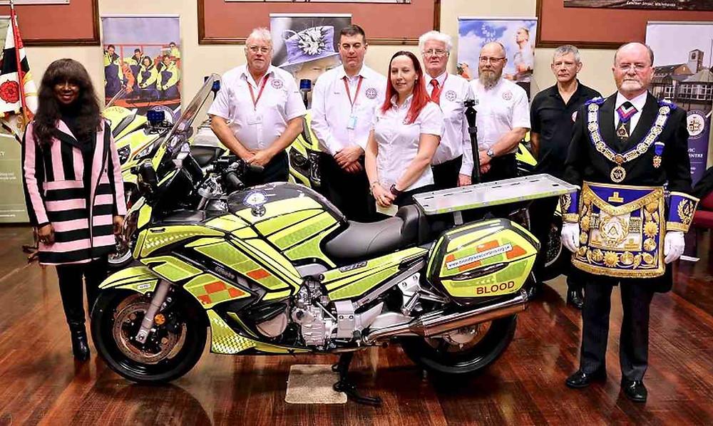 Um presente para salvar vidas | Oferta da maçonaria de Cumberland & Westmorland para Blood Bikes Cumbria