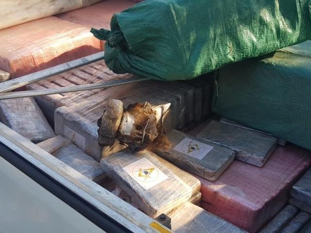 Símbolos maçónicos em pacotes de cocaína intriga a polícia do Paraguai