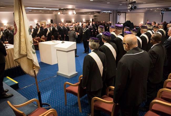 Novo Soberano Grande Comendador do Supremo Conselho dos Países Baixos (Aloude em Aangenomen Schotse Ritus voor het Koninkrijk der Nederlanden) toma posse a 20 de abril de 2017