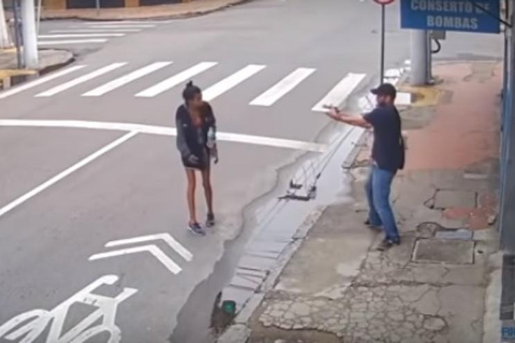 Brasil: Zilda Henrique dos Santos Leandro foi morta com dois tiros | Motivo: pedir um real de esmola
