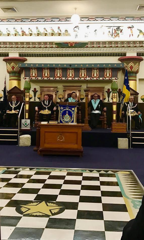 Instalação do novo Venerável Mestre da Cedars (Cedros) Lodge nº 1041,  Irmão Hassan Rahman, Sidney, Austrália.