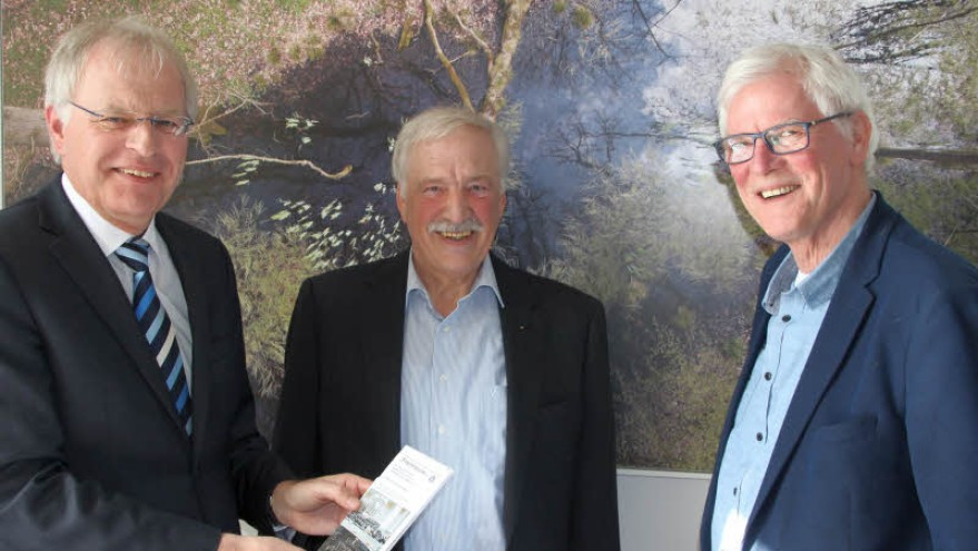 A Loja Maçónica de Eutin, «Zum Goldenen Apfel» apoia o projecto «1000 escolas para o nosso mundo»