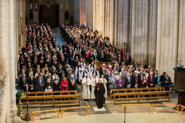 Maçonaria Inglesacomemora os 300 anos com um Ato religioso na Catedral de Winchester