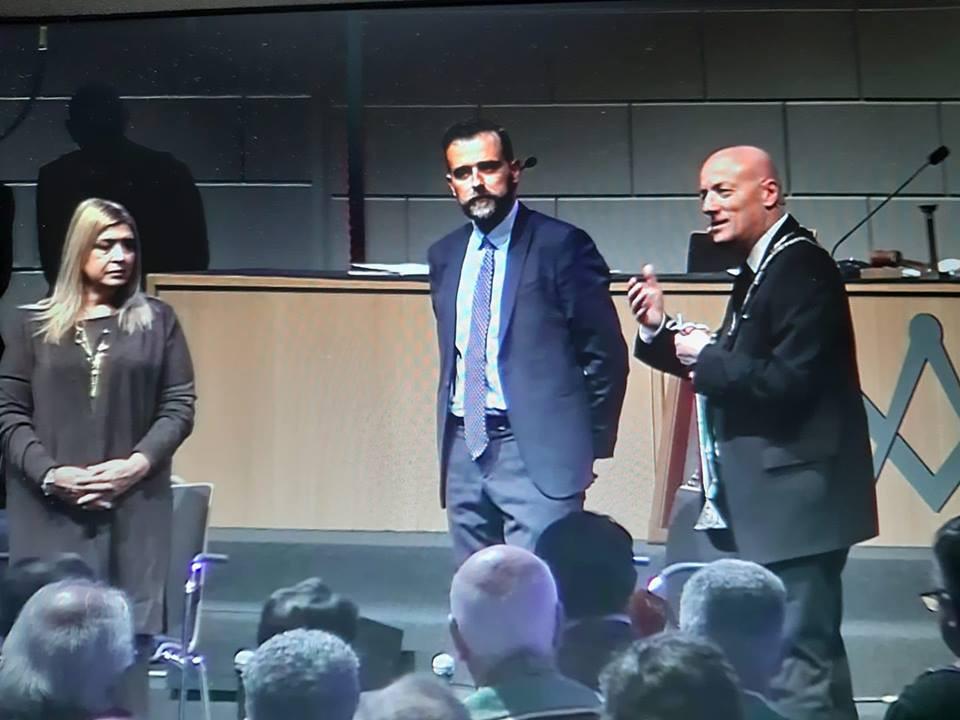 Longo aplauso dos maçons do GOI, para os seus convidados Eleonora Lo Curto e Antonio Catalfamo