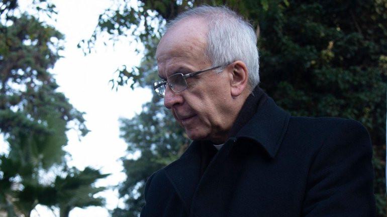 Papa nomeia arcebispo envolvido na polémica de abusos sexuais no Chile enviando-o para Portugal