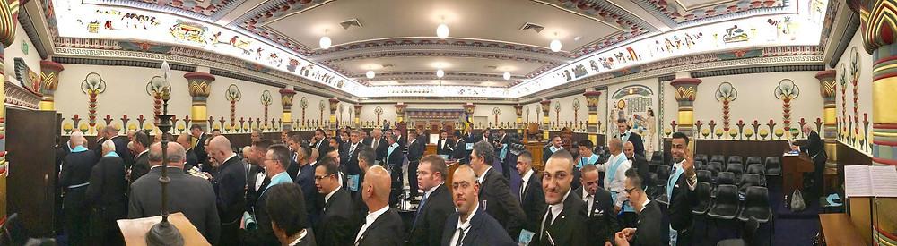 Maçonaria: - Um evento muito organizado e conta com a presença de mais de 200 Irmãos e um grande número de autoridades, que são membros da administração da MSW & ACT, que acompanham o Grão-Mestre.