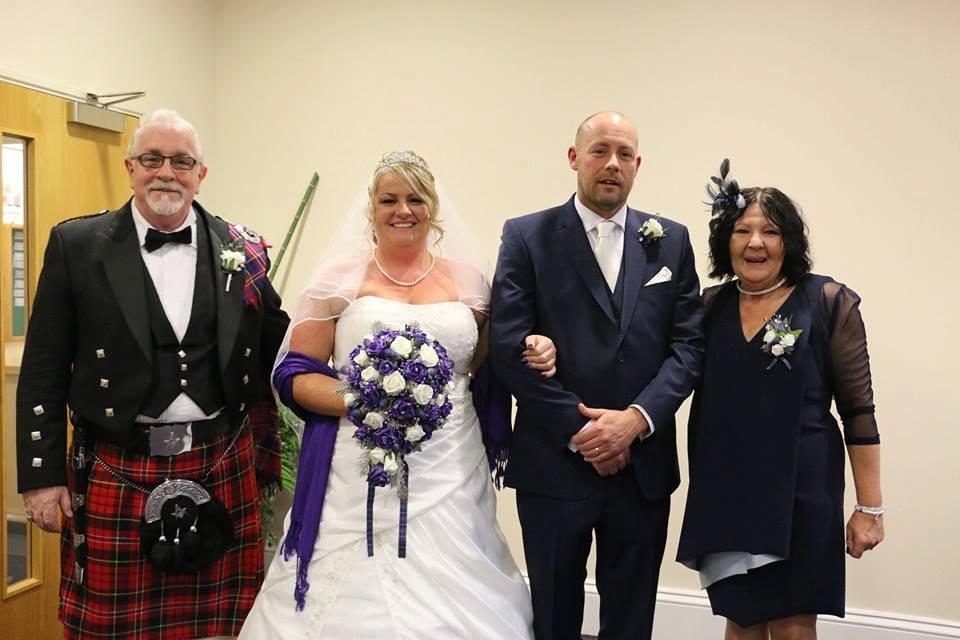 MAÇONARIA | MY FRATERNITY | NEWS | ONLINE | Irmão Robert paramentado para um casamento