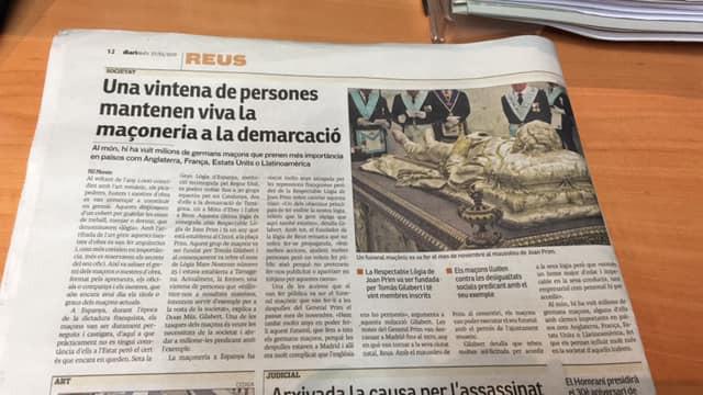 Recorte de um jornal actual: - «Una vintena de perones mantenem viva la maçoneria a la demarcació»