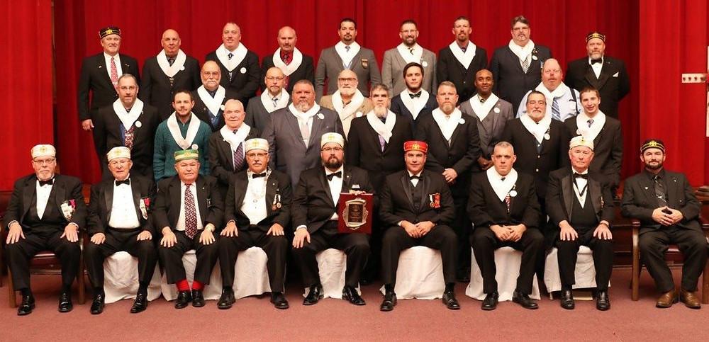 24 novos membros do Rito Escocês Antigo e Aceite, em Valley de Steubenville, Estados Unidos da América