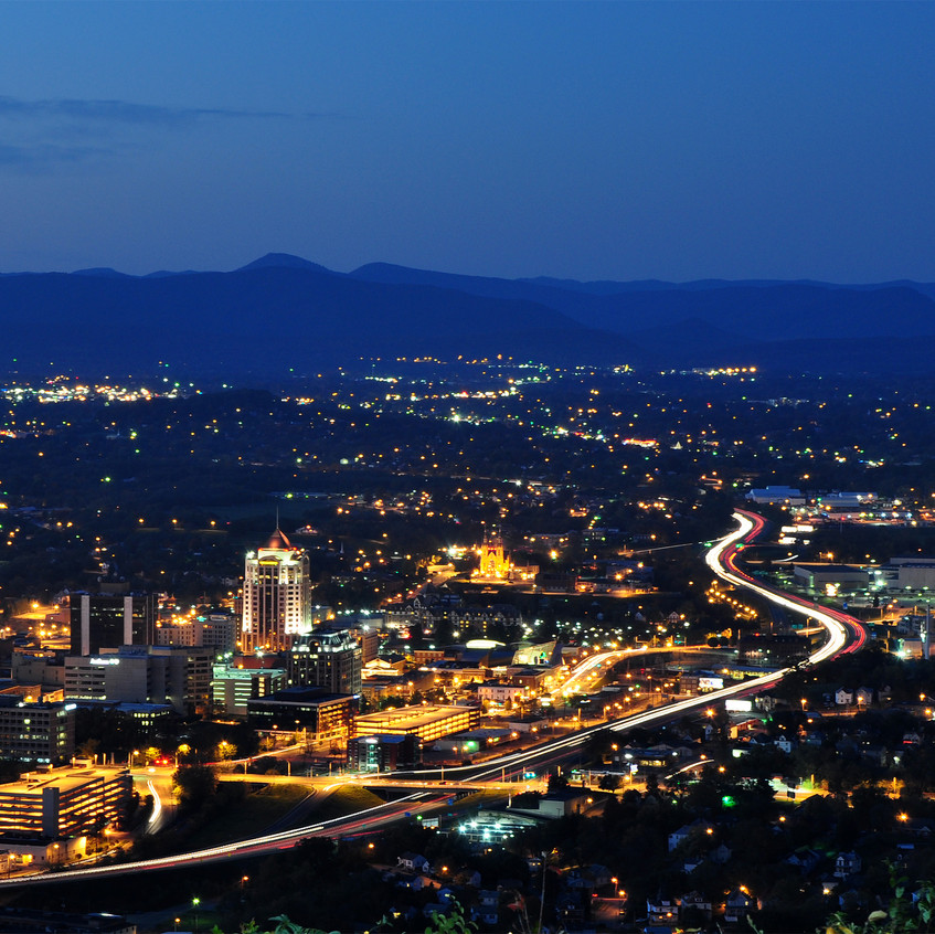 Roanoke_City_(Virginia)_from_Mill_Mounta