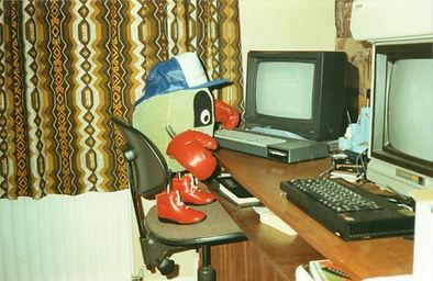 DizzyAtComputer.JPG