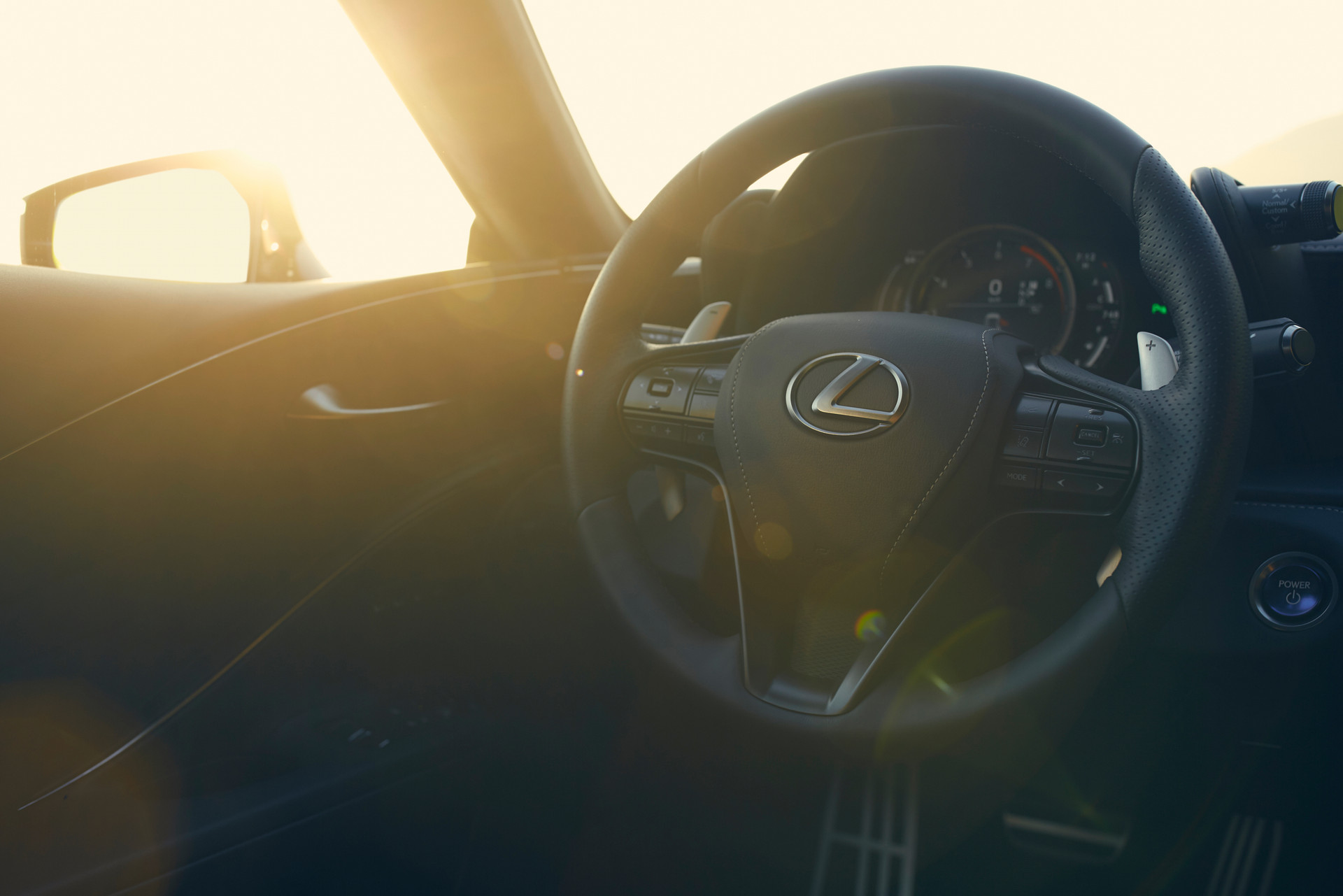 LC_0f Lexus_heandme_019.jpg