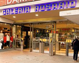 Galeria Rosario tiene 2 ingresos, en este caso, estas viendo la puerta de acceso por Peatonal San Martin 862
