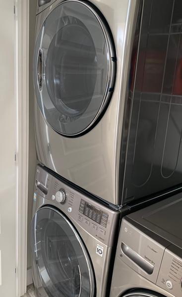 16. Amenities - Laundry.jpeg