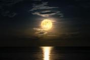 view-at-night-scene-of-the-sea-QPJBTS6.j