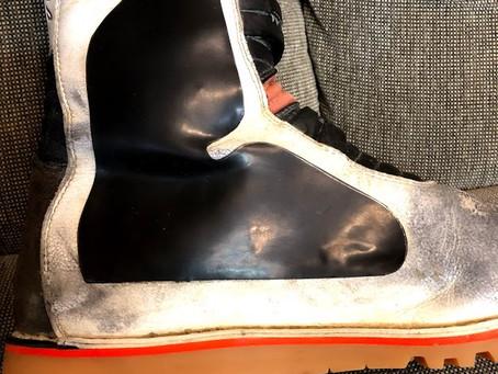 TCX トライアルブーツのアレを交換修理