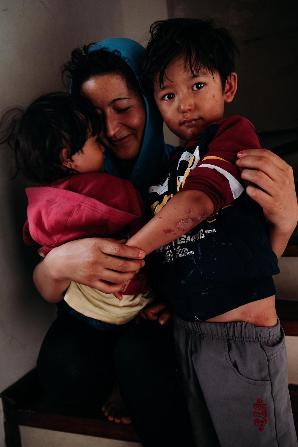 Refugee children with mother