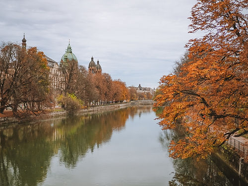 canal-in-autumn-4213374.jpg