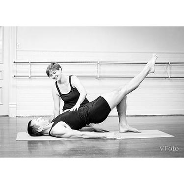 Pilates mat series with Ellie Kushner