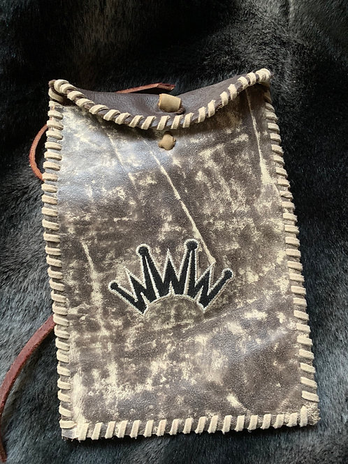 Cell pocket distressed brown