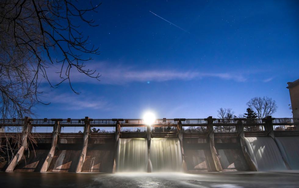 Struggling Stars over Barton Dam. Ann Arbor, Michigan. 07 March 2020, 9:15 P.M.