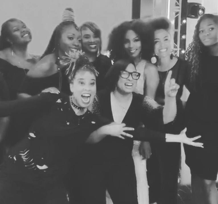 Black Girls Rock Angela Basset &  Band