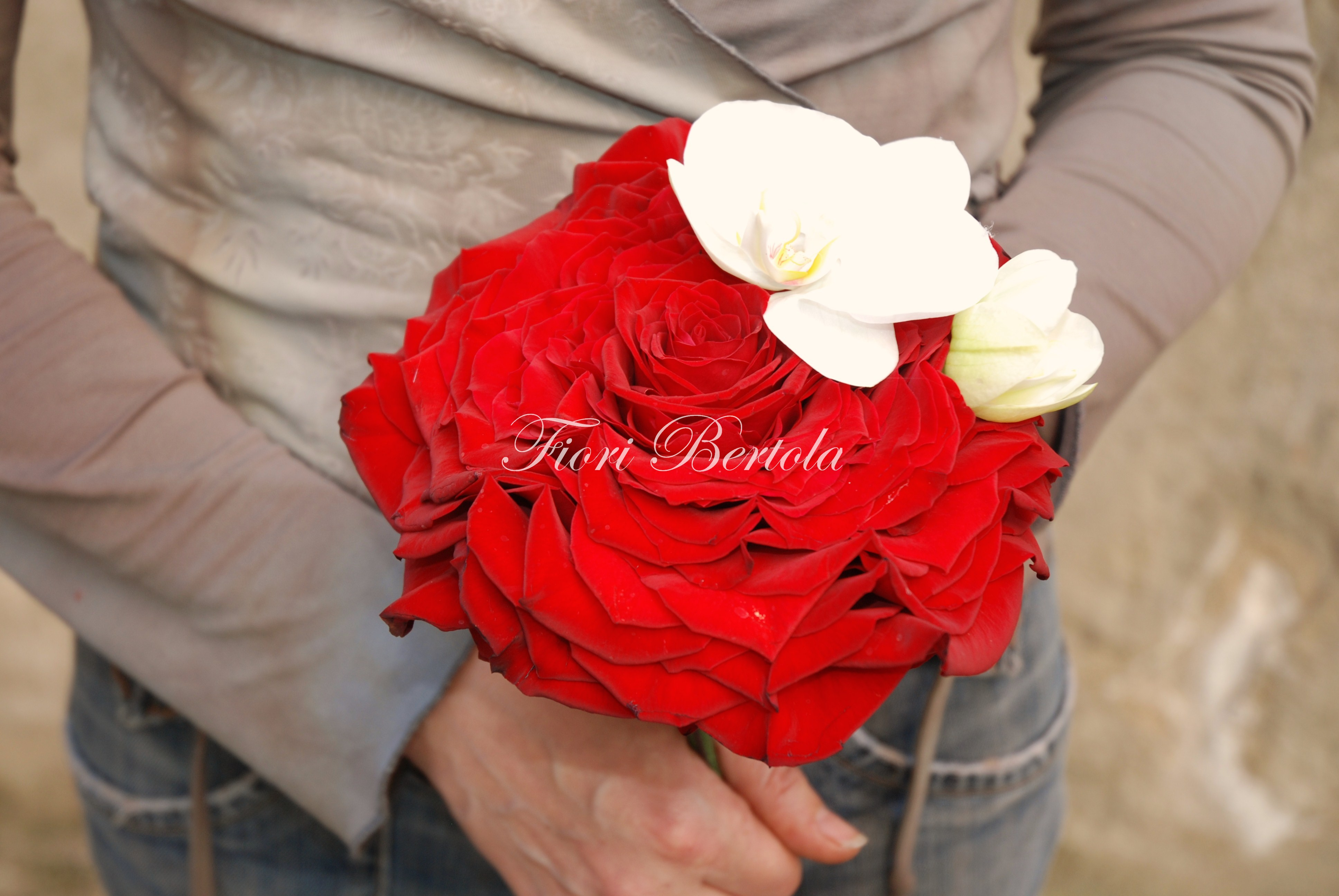 Rosa gigante creata con petali