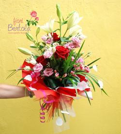 Mazzo di fiori Mortara