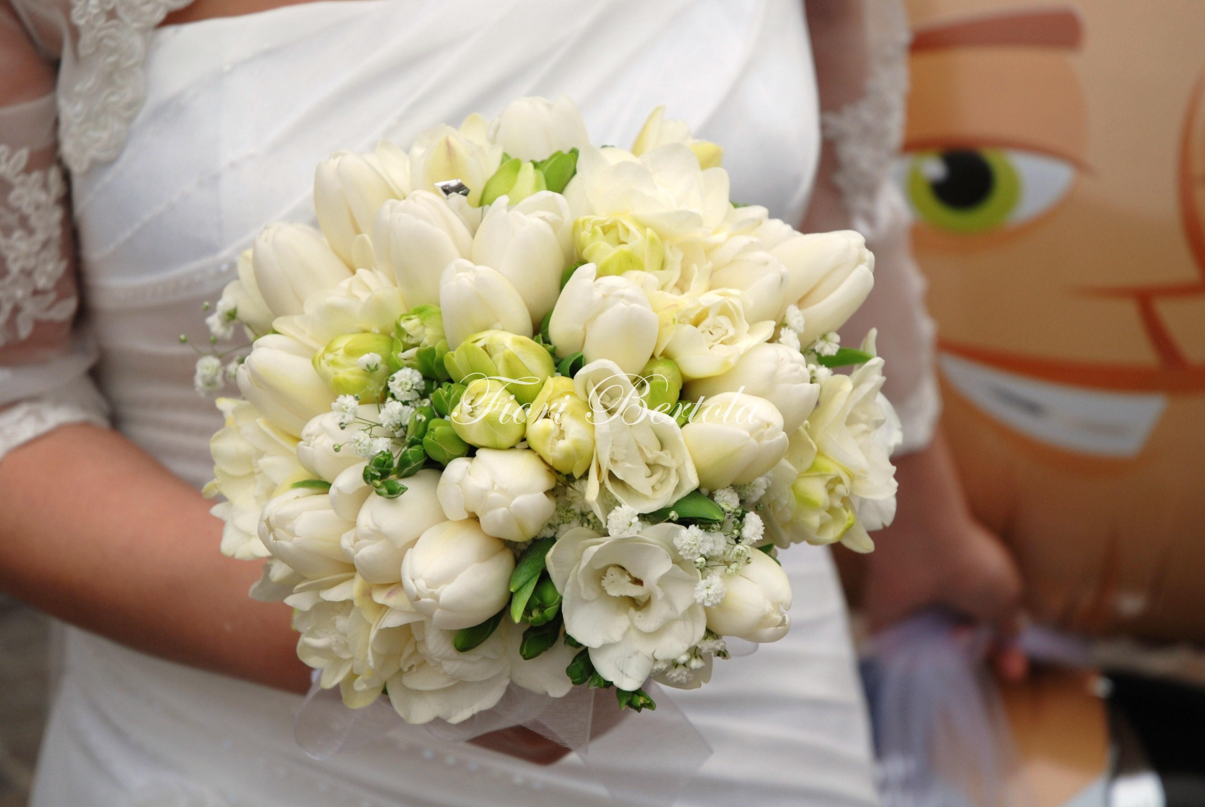 Bouquet con tulipani e fresie
