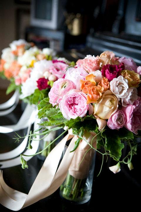 Bouquet con fiori colorati
