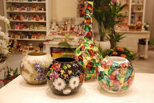 Vasi in vetro dipinti a mano  (€220/250)