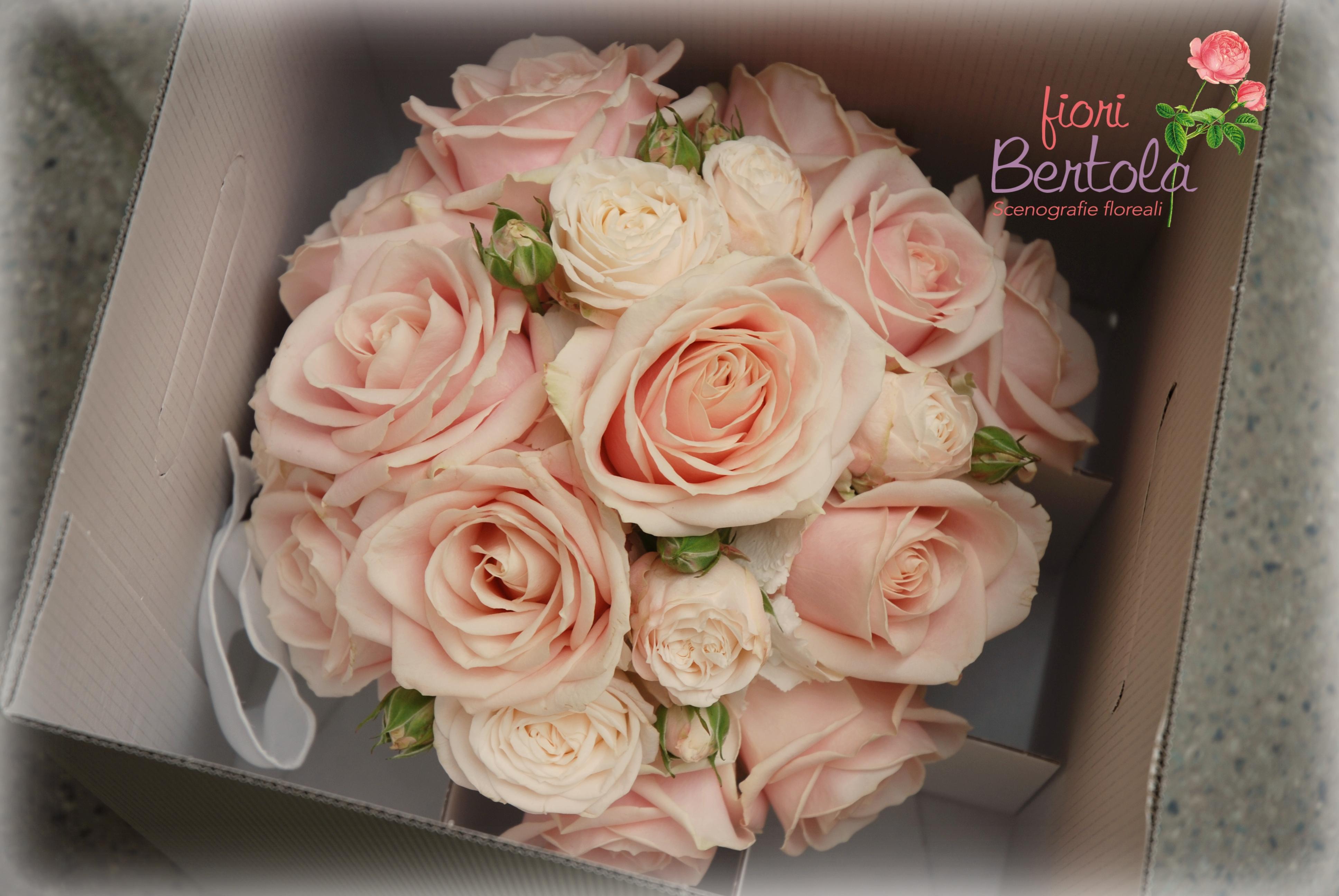 Bouquet Sposa con rose cipria