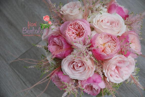 bouquet sposa con rose inglesi.jpg