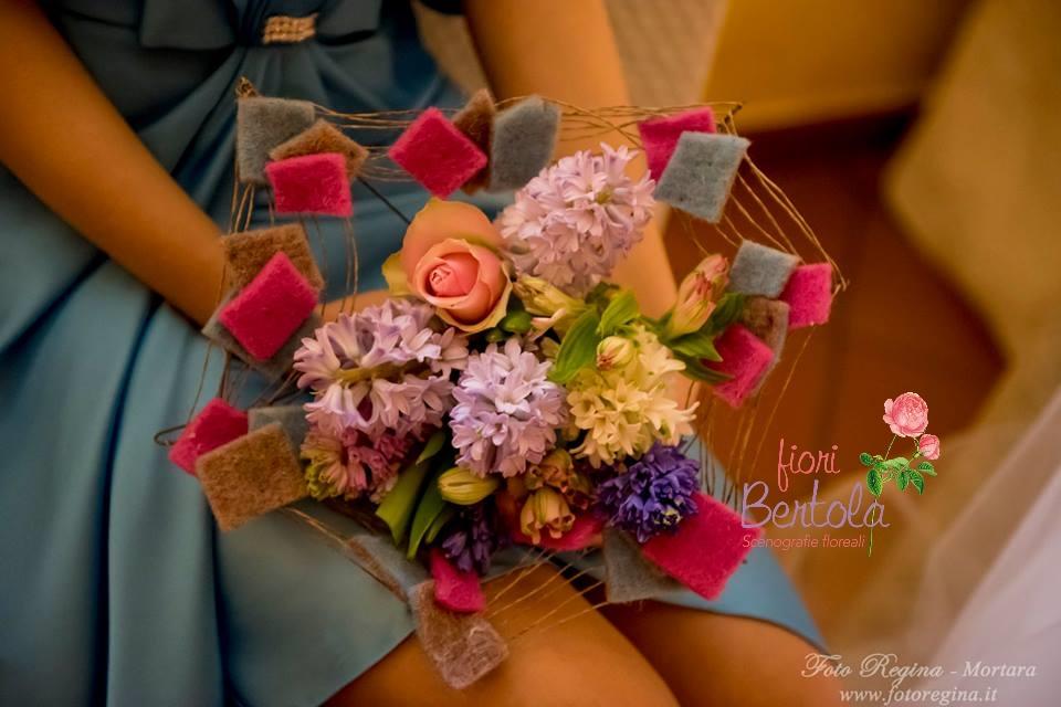 Bouquet moderno con lana